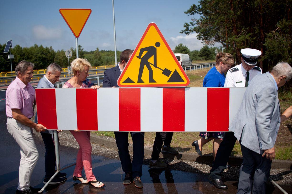 W powiecie tucholskim uroczyście otwarto wyremontowany odcinek drogi Tuchola-Świecie (FOTO)