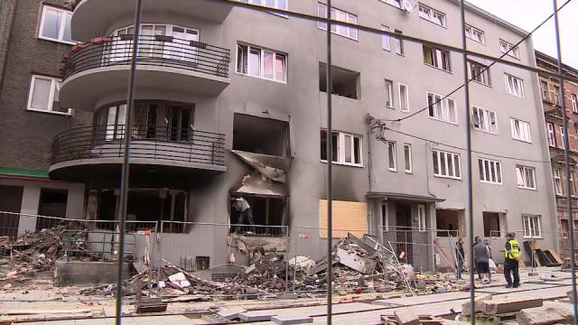 Pierwsi lokatorzy wracają do swoich mieszkań po wybuchu w bytomskiej kamienicy