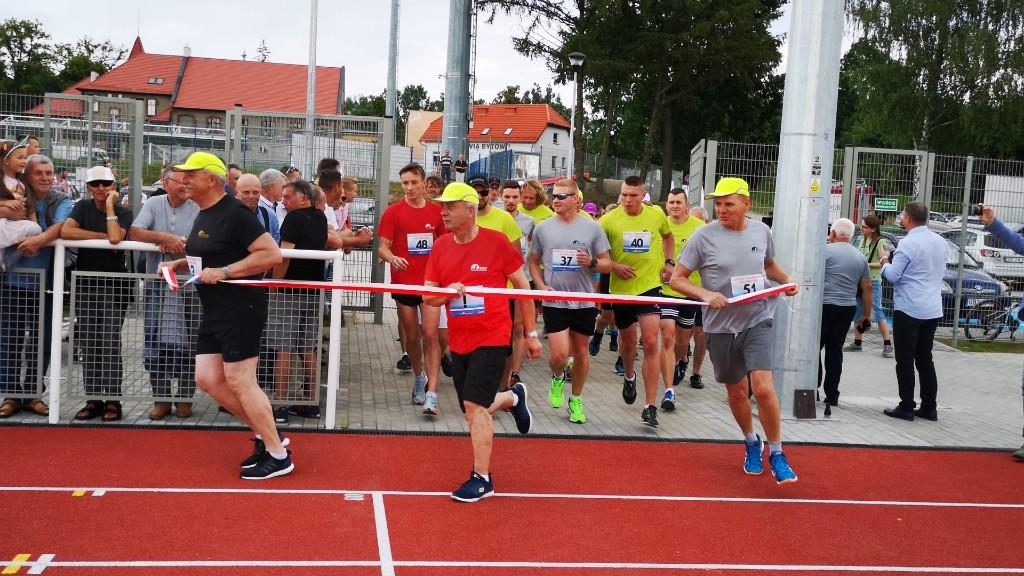 Otwarcie nowego stadionu lekkoatletycznego na rozpoczęcie Dni Bytowa FOTO