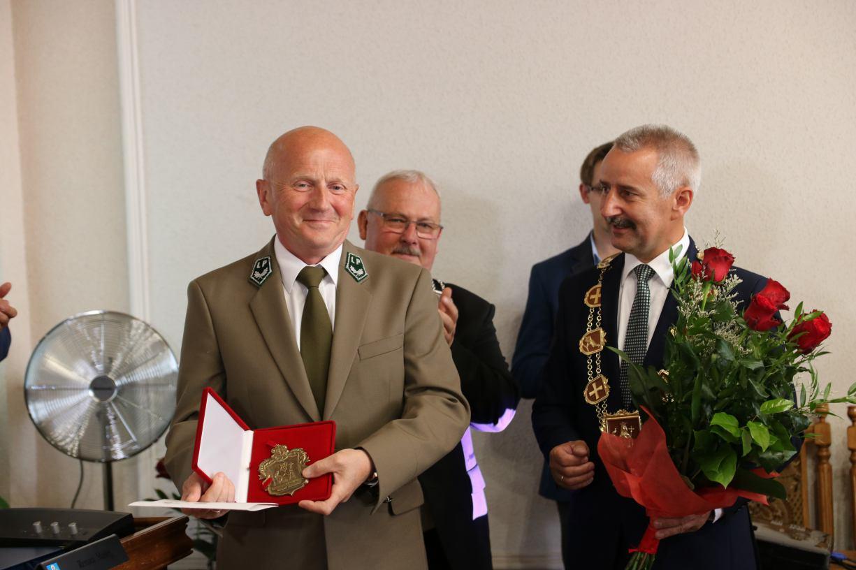 Sesja Rady Miejskiej w Tucholi: jest nowy honorowy obywatel