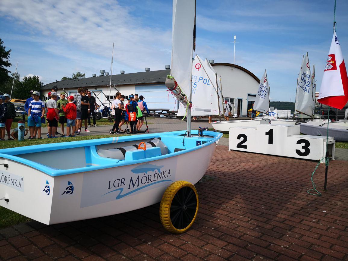 Ma pływać na regatach i promować region. Stowarzyszenie Morenka ufundowało specjalną łódkę