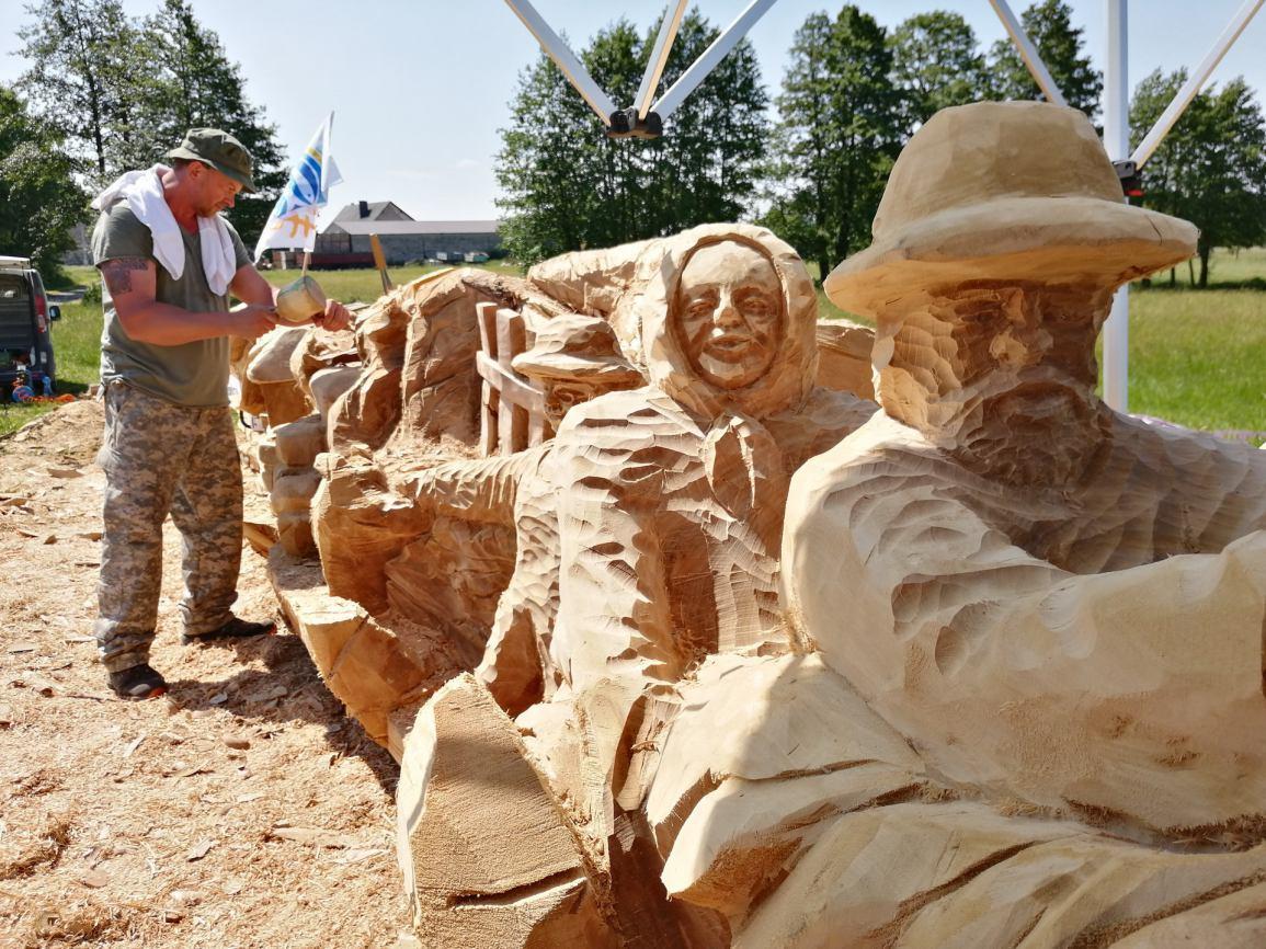Rzepka z Sępólna Krajeńskiego najdłuższą rzeźbą na świecie