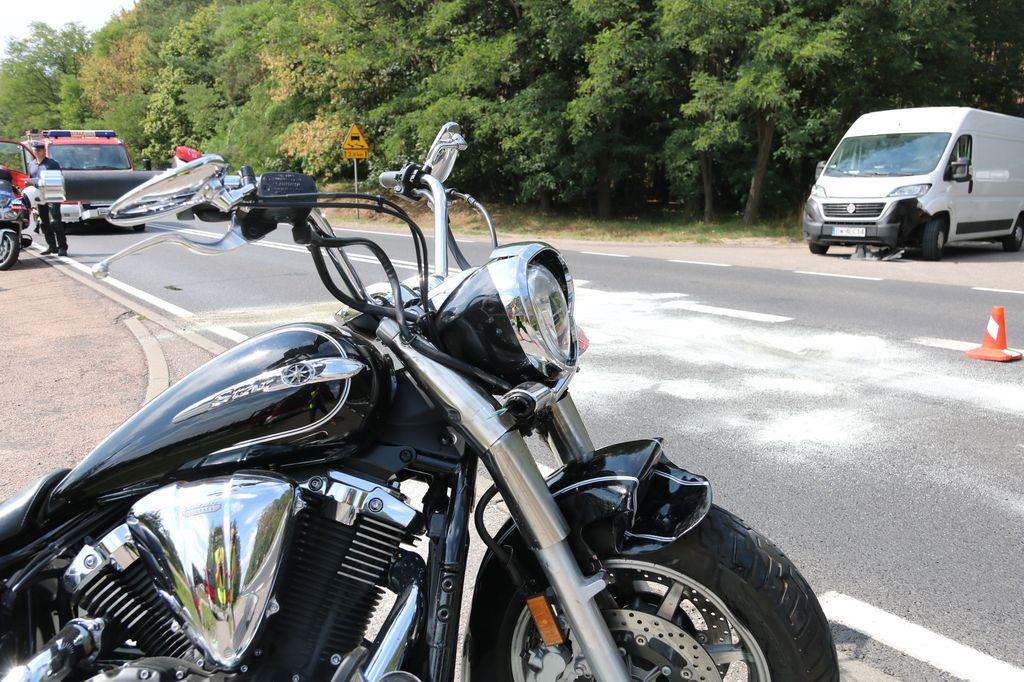 Motocyklista w szpitalu po wypadku na