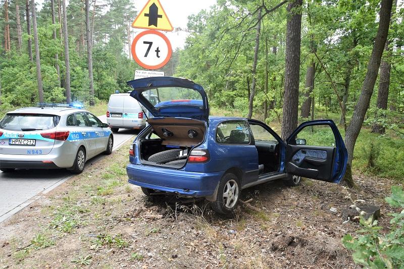 16-latek ukradł i rozbił samochód swojej matki