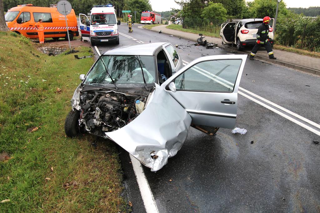 To kierująca volkswagenem polo spowodowała sobotni wypadek w Chrząstowie