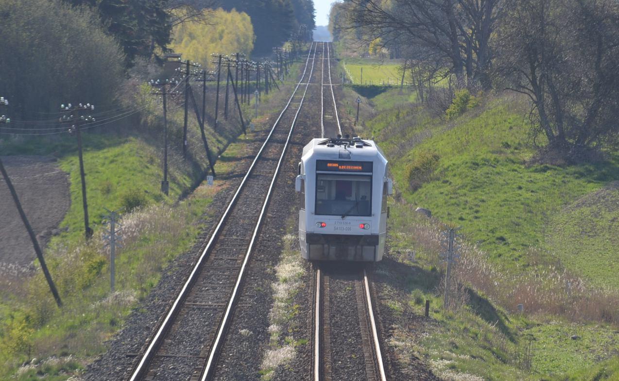 Jest alternatywna trasa przebiegu projektowanej linii kolejowej z Człuchowa do Wierzchowa