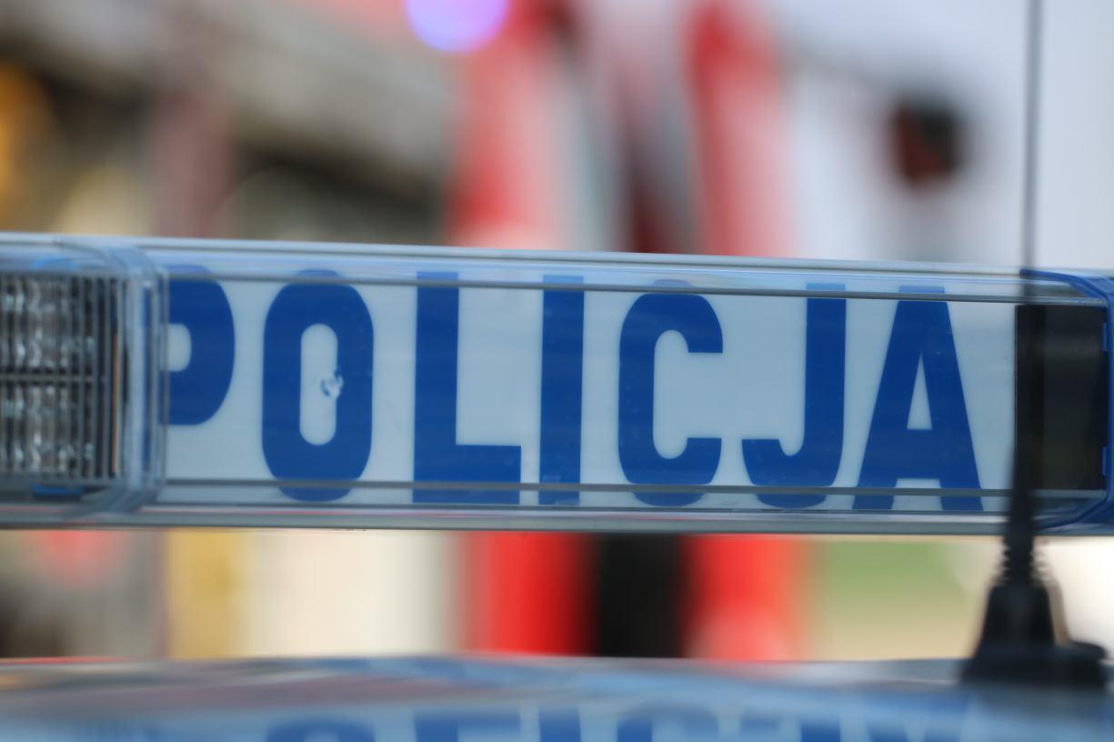 Zaśnięcie kierowcy przyczyną nocnego wypadku w okolicach Barkowa