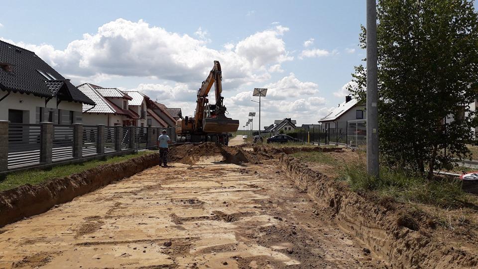 Trwają remonty dróg w Ględowie i Kołdowie w gminie Człuchów
