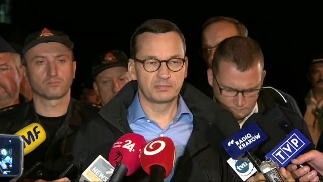 Premier w Zakopanem Niektóre poszkodowane osoby są w bardzo ciężkim stanie. W sumie jest ich ponad 100