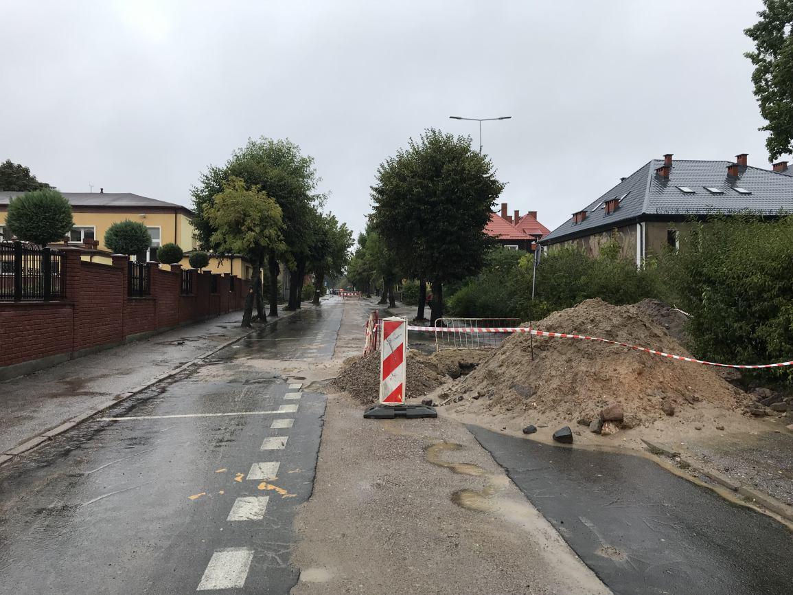 Do końca października potrwają utrudnienia w ruchu na ulicach Człuchowa: teraz na ulicy Traugutta, potem na Szczecińskiej