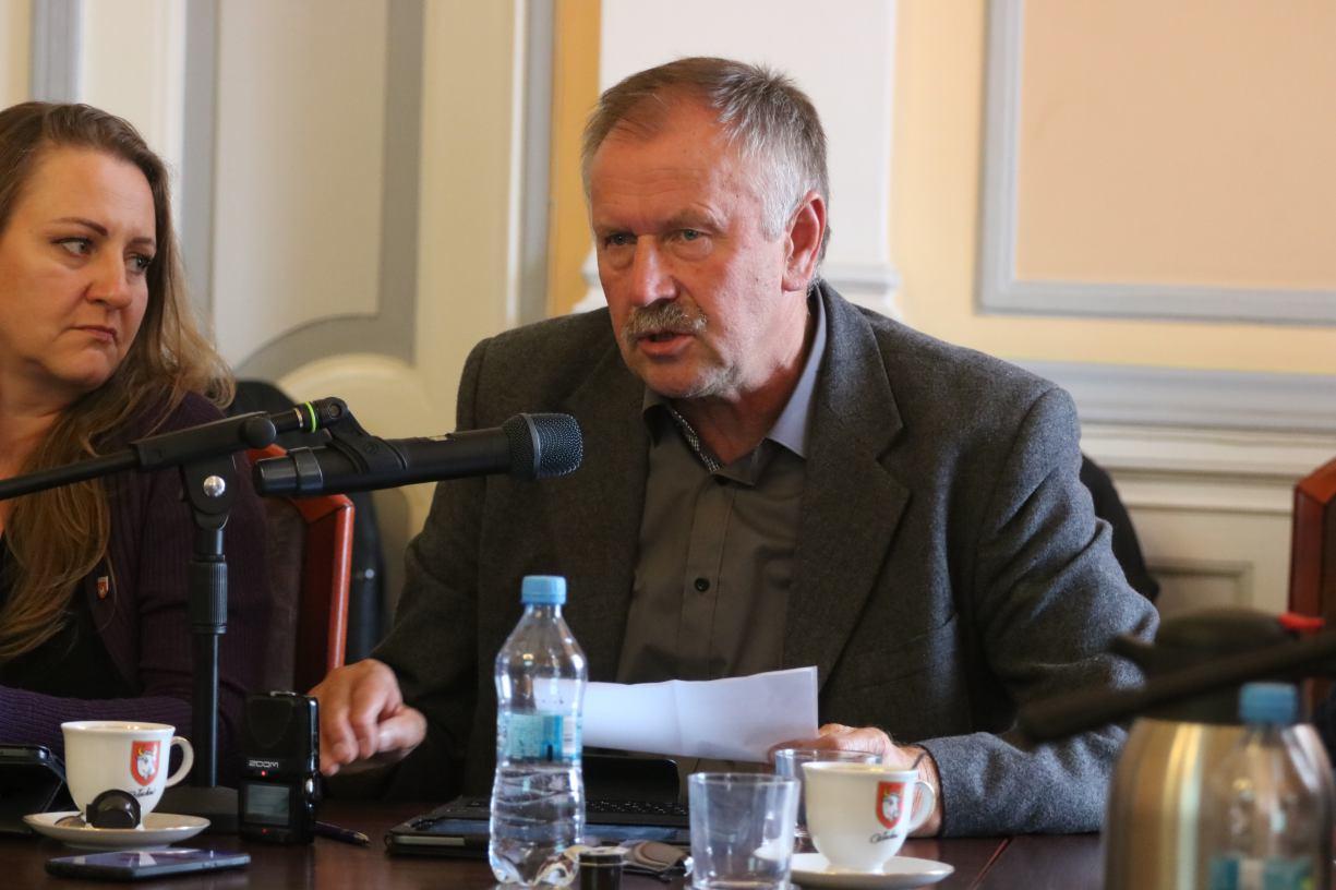 To moje niedopatrzenie. Zbigniew Kolter stracił dziś 16.09 mandat radnego Rady Miejskiej w Człuchowie