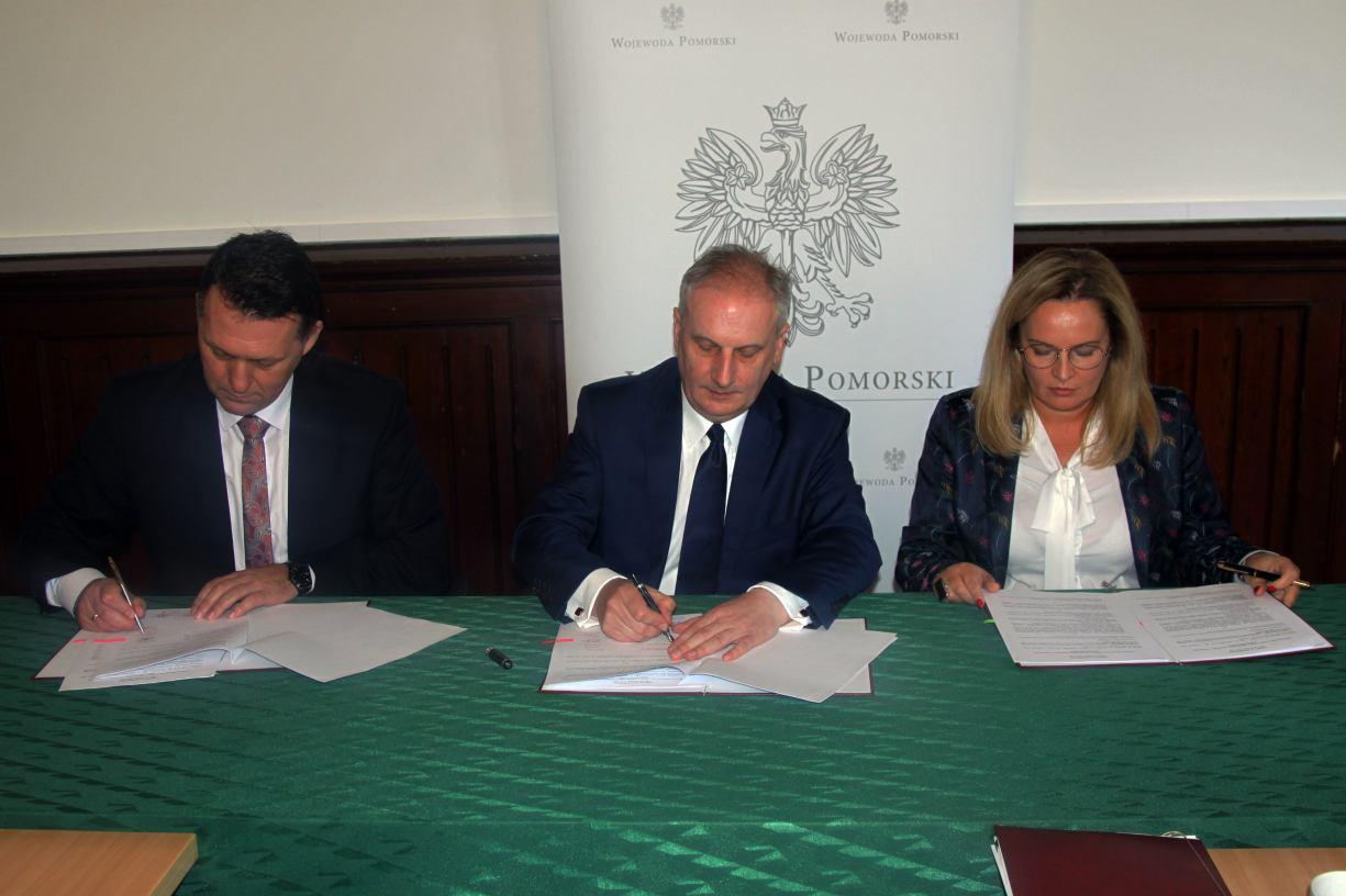 Ponad 9 mln zł rządowego dofinansowania trafi do samorządów powiatu kościerskiego