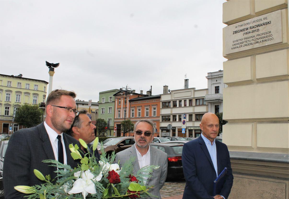 W Chojnicach odsłonięto tablicę pamiątkową na niewłaściwej kamienicy?