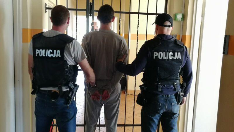 Młody włamywacz z Chojnic zatrzymany przez policję. Usłyszał 15 zarzutów