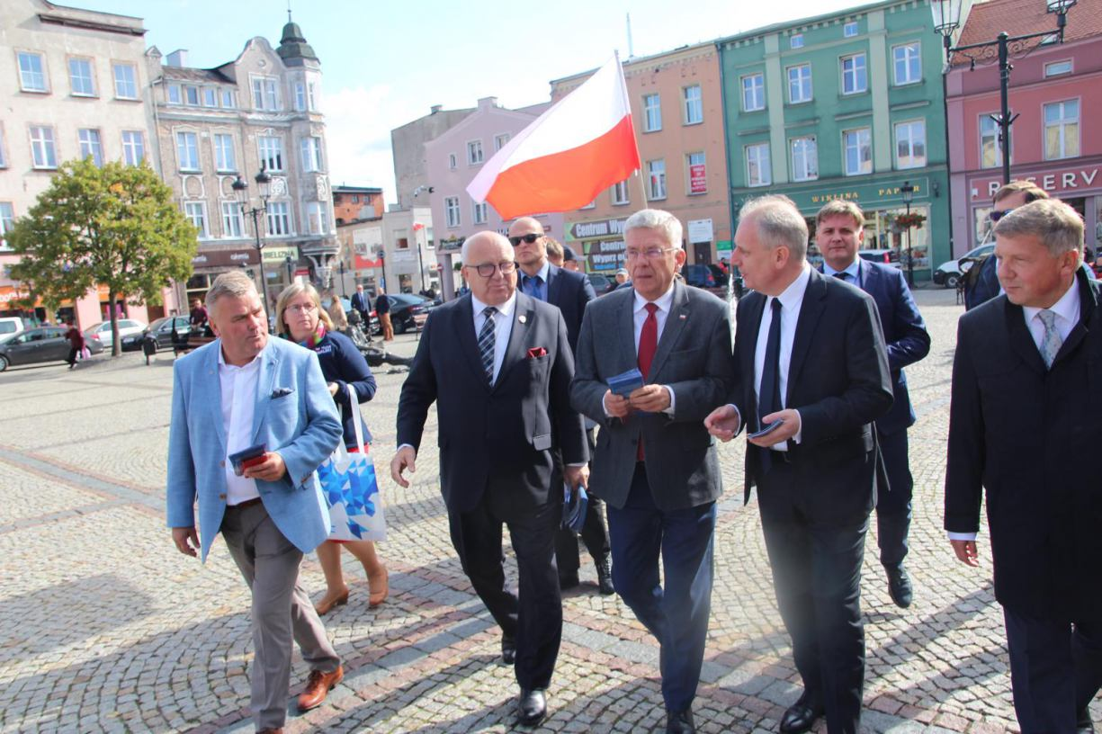 Marszałek Senatu RP Stanisław Karczewski z wizytą w Kościerzynie FOTO