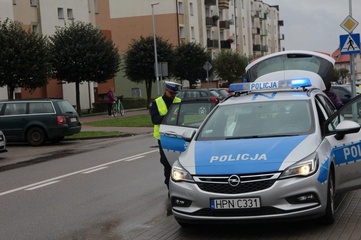 Kościerzyna samochód osobowy potrącił pieszego. 75-latek trafił do szpitala