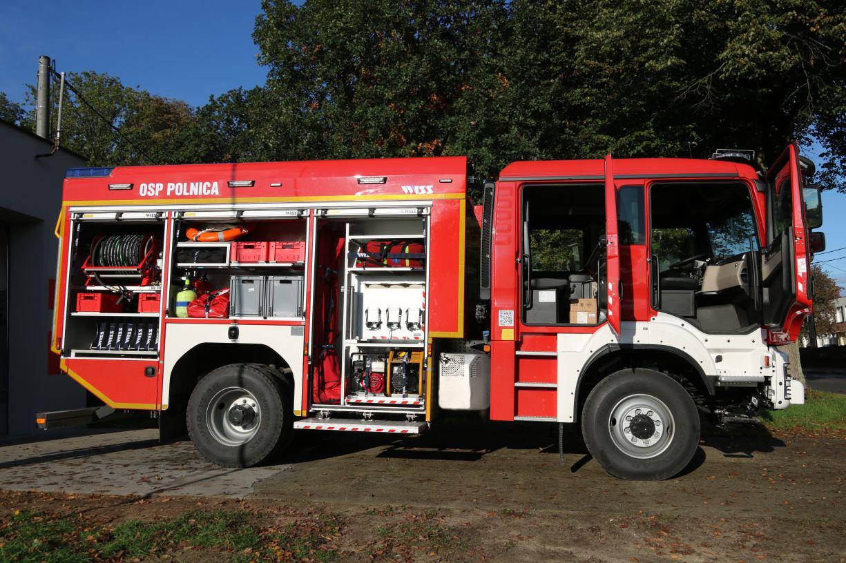 Ochotnicza Straż Pożarna w Polnicy w gminie Człuchów ma już nowy wóz bojowy FOTO