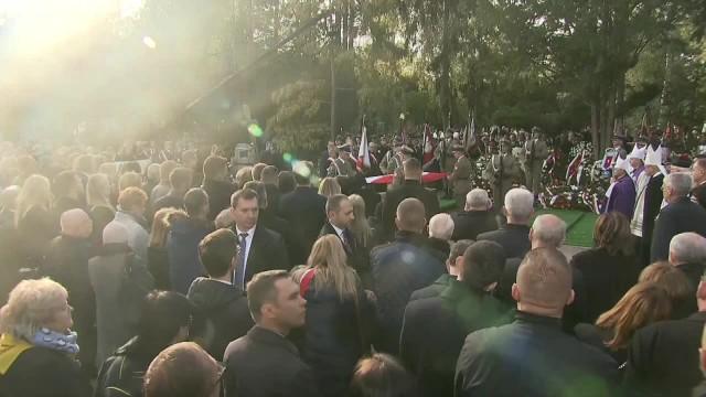 Kornel Morawiecki spoczął na Powązkach Wojskowych. W uroczystościach pogrzebowych wziął udział m.in. prezydent