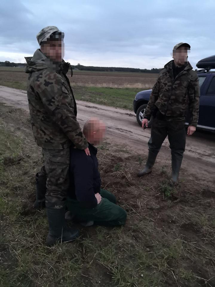 Straż Rybacka z powiatu kościerskiego zatrzymała kłusownika. Konieczne było użycie gazu