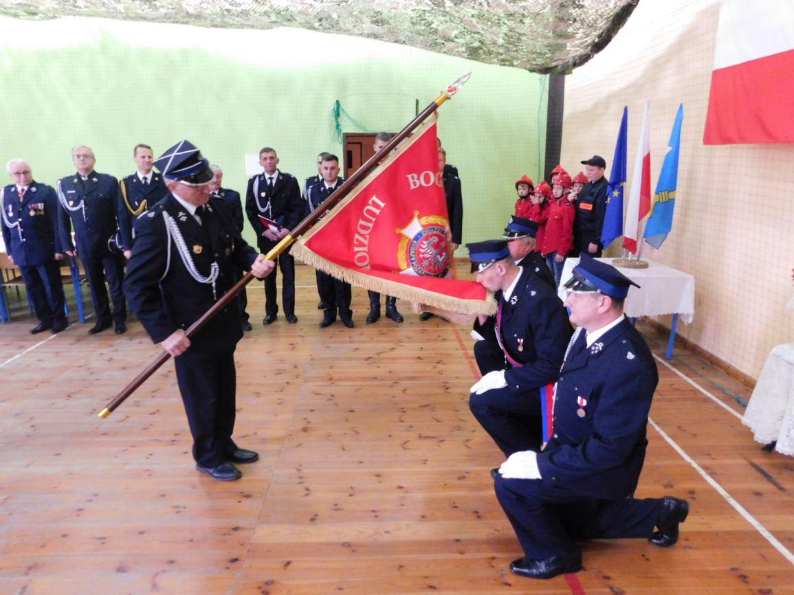 Ochotnicza Straż Pożarna w Pietrzykowie w gminie Koczała ma już swój sztandar