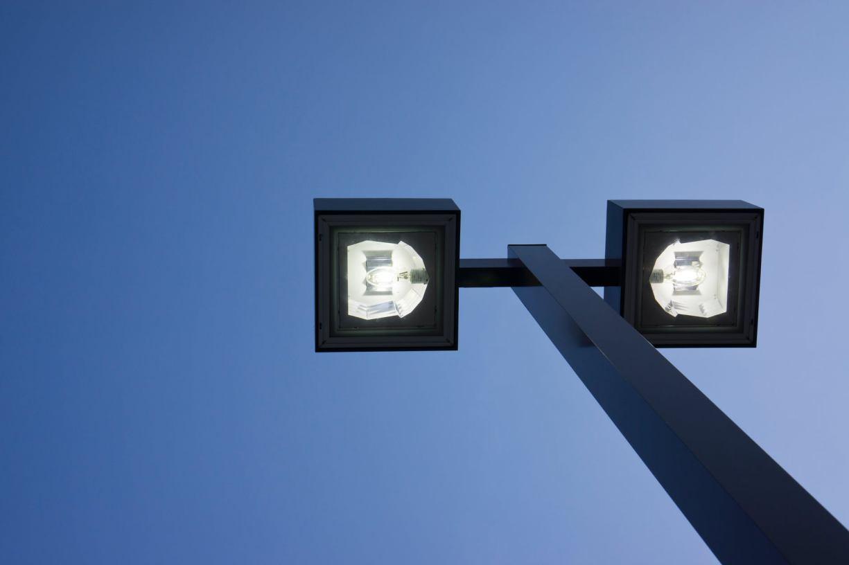Czy w gminie Debrzno powinny powstać dodatkowe latarnie uliczne?