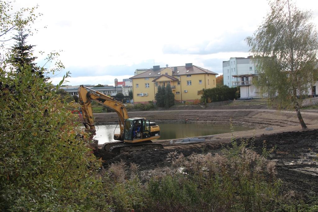 Dobiegają końca prace przy budowie zbiornika retencyjnego przy Osiedlu Tysiąclecia w Kościerzynie