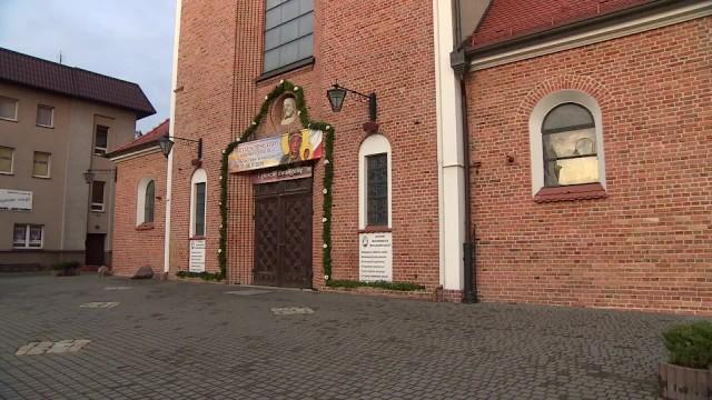 Pili alkohol w kościelnej kruchcie, a jeden z nich uderzył interweniującego księdza. Trzech 14-latków w rękach policji