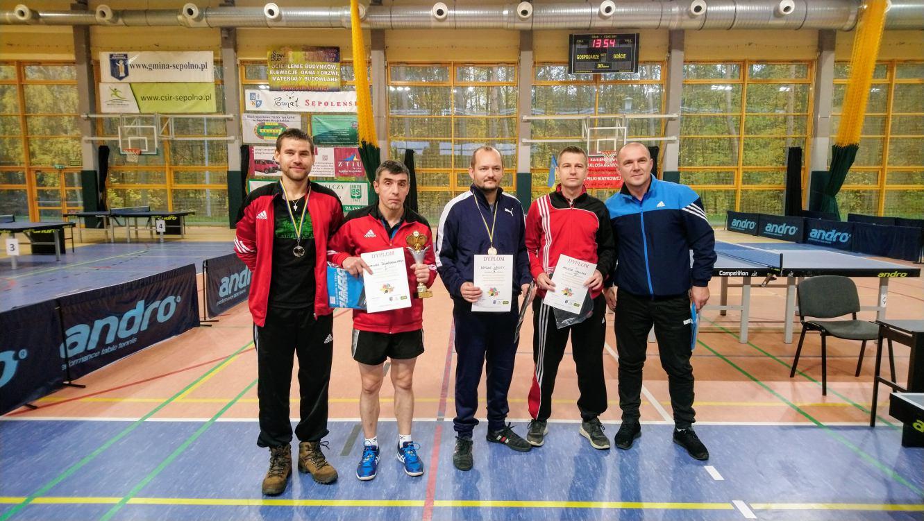 Bardzo dobry występ chojnickich tenisistów stołowych w Sępólnie Krajeńskim