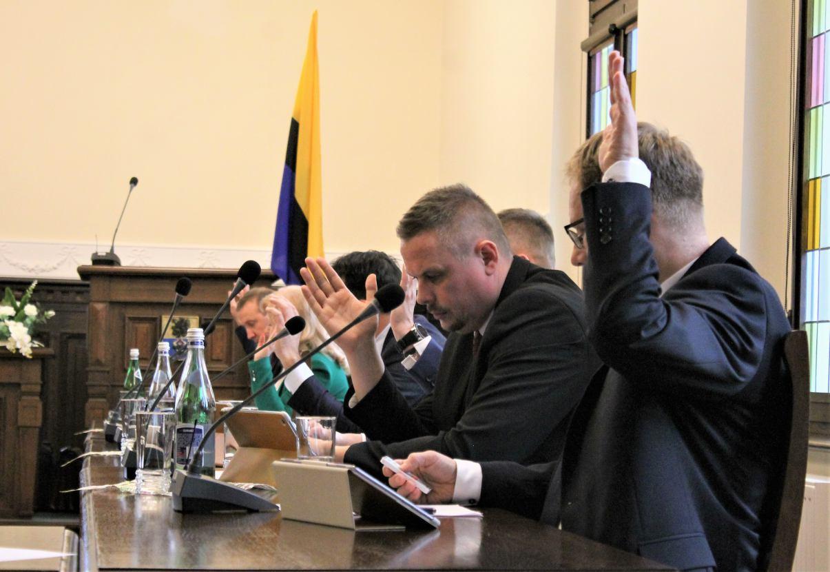 Będzie podwyżka opłat za zajęcie pasa drogowego w drogach powiatu chojnickiego