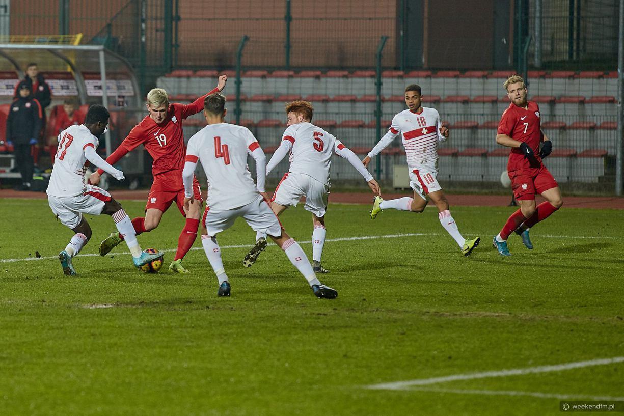 Piłkarz Bytovii Bytów Karol Czubak zadebiutował wczoraj w reprezentacji Polski do lat 20