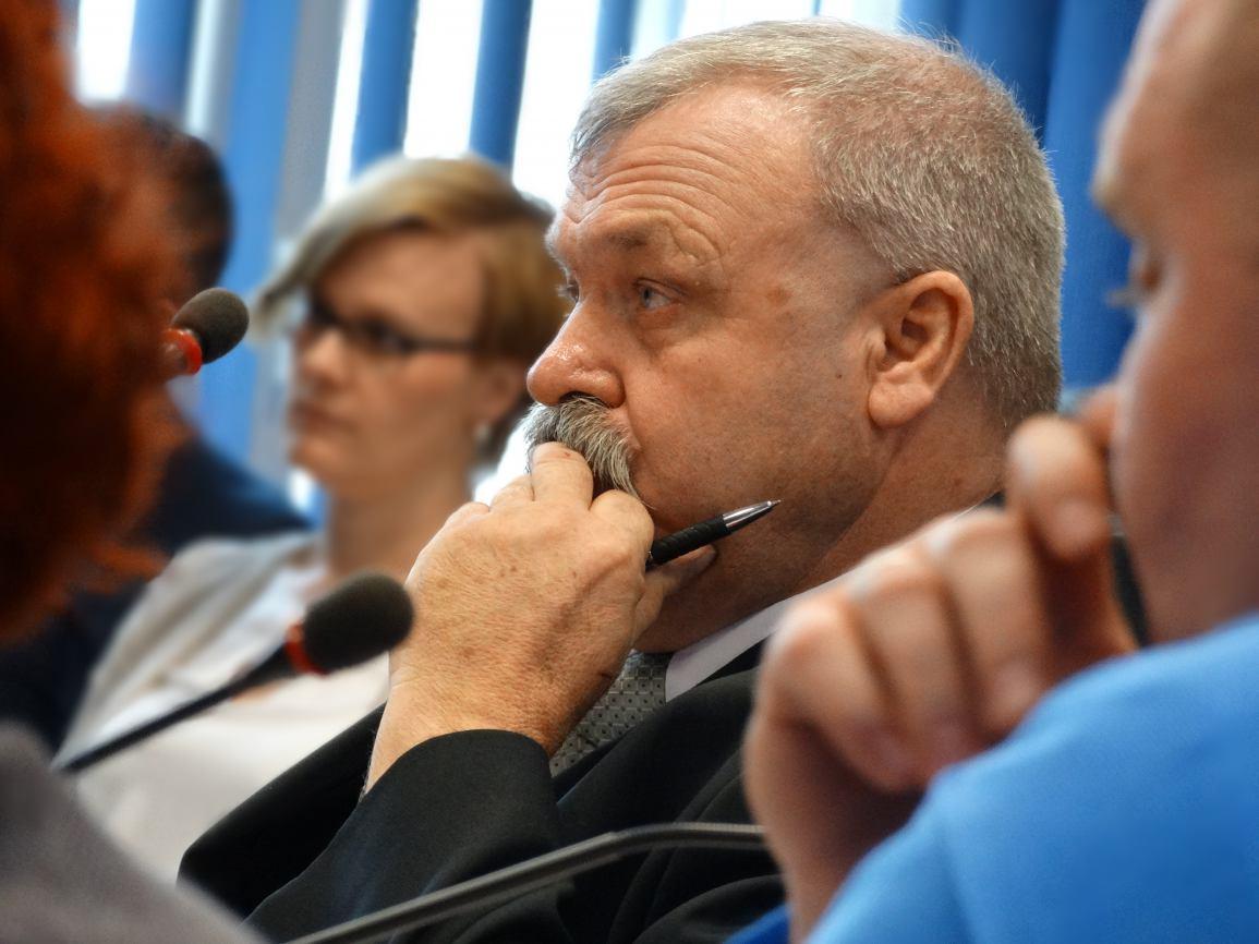 Radny Sępólna Krajeńskiego Zdzisław Grzeca chce dopłat do wywozu ścieków