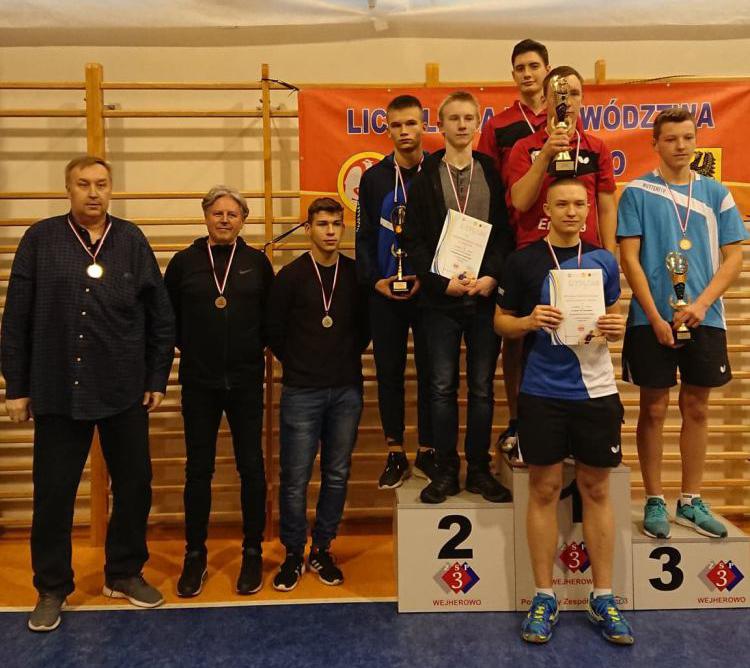 Świetny występ tenisistów stołowych z II LO w Chojnicach w finale 20. Wojewódzkiej Licealiady Młodzieży