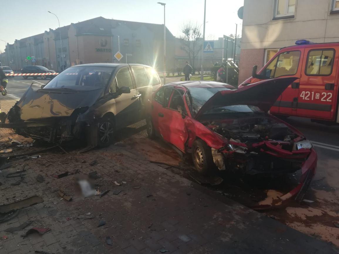 Zderzenie samochodów na ul. Batorego w Człuchowie