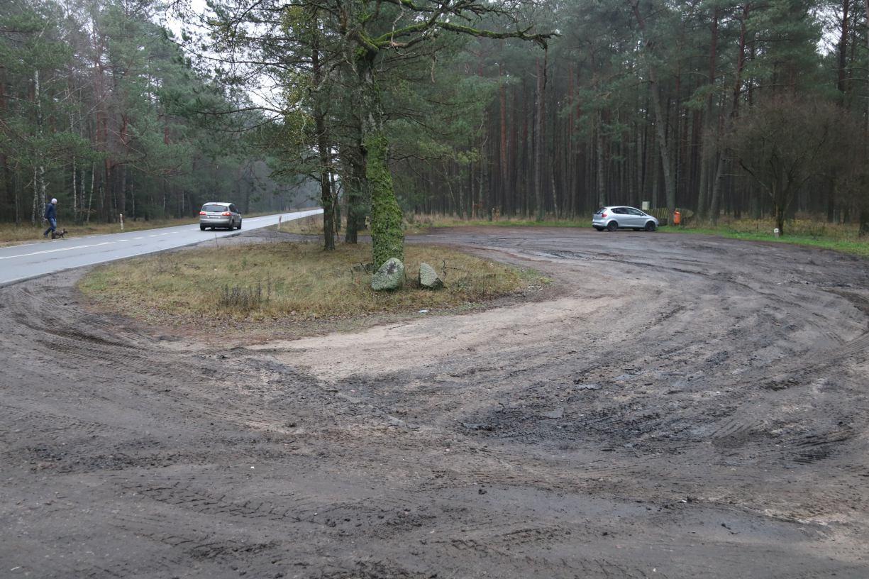 Gmina Czarne, wspólnie z Nadleśnictwem Czarnobór, odnowi parking przy drodze wojewódzkiej nr 201