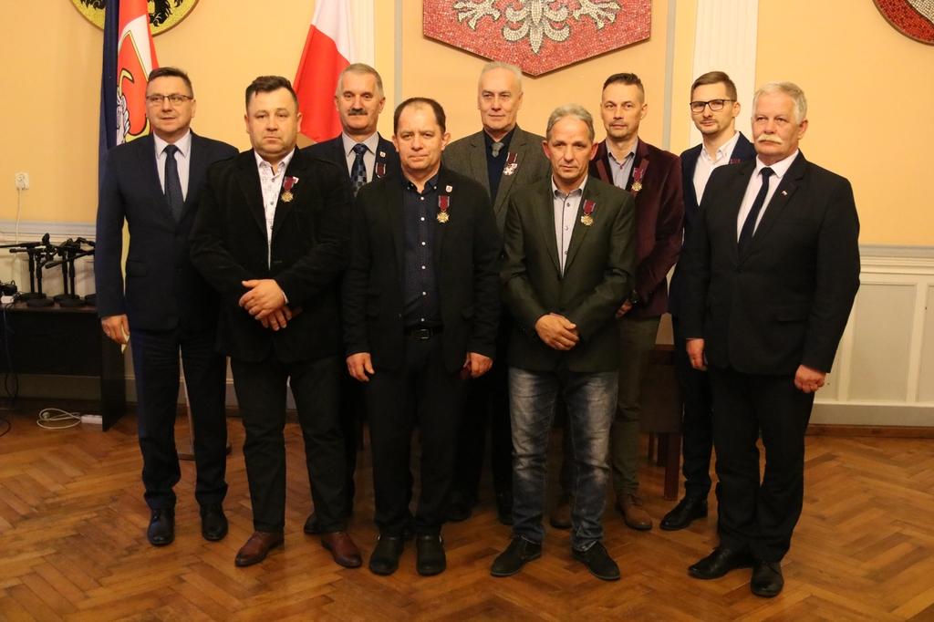 Członkowie Człuchowskiego Stowarzyszenia Honorowych Dawców Krwi uhonorowani przez prezydenta