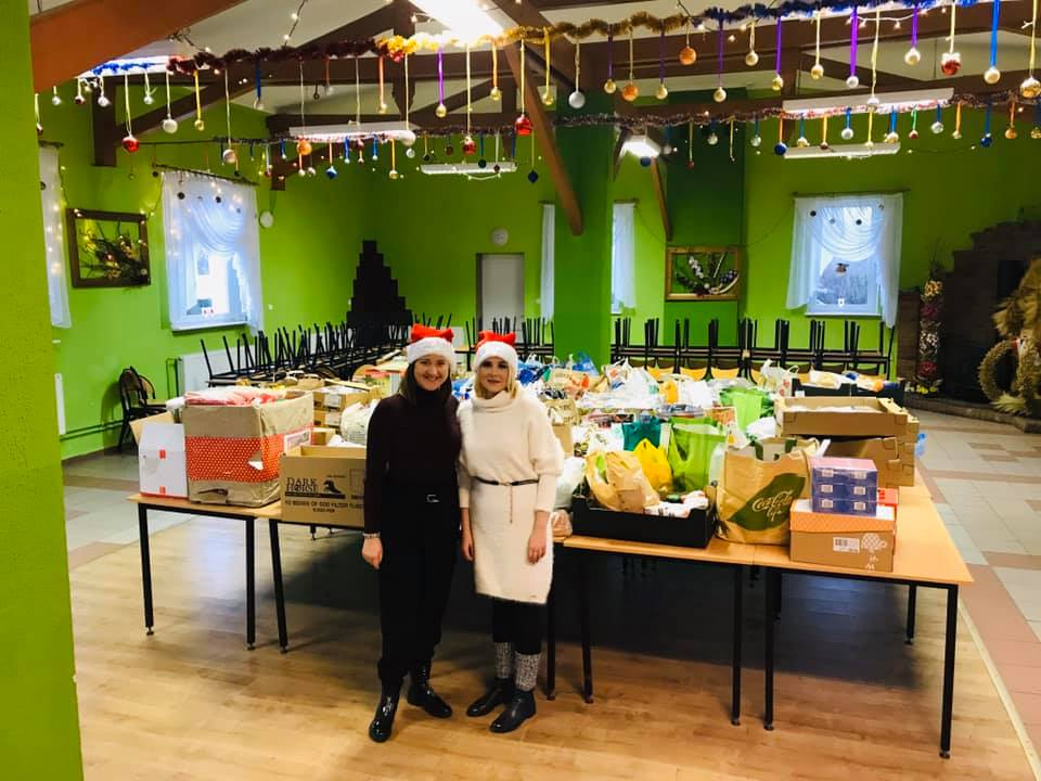 Podczas akcji Z sercem przy stole w Człuchowie udało się zebrać 1,5 tony żywności na świąteczne paczki