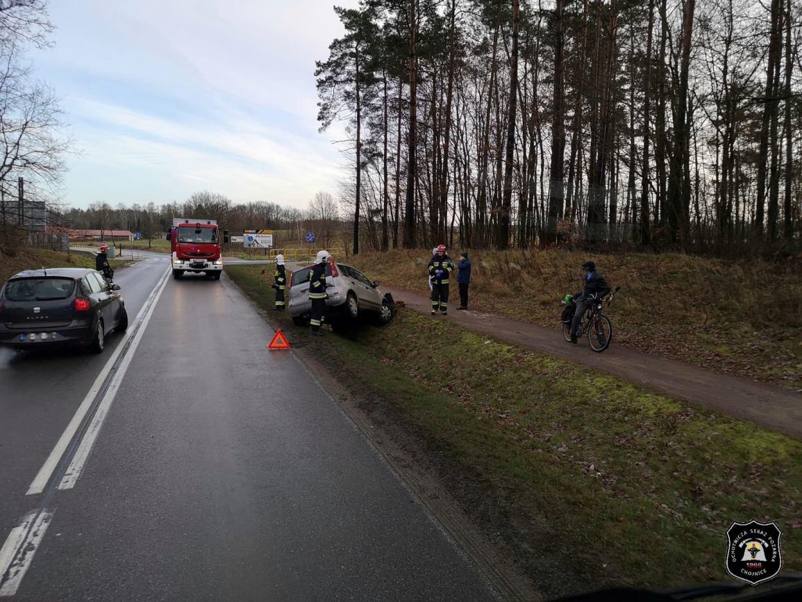 Uwaga, jest ślisko! Do trzech zdarzeń doszło dziś rano na drogach powiatu chojnickiego