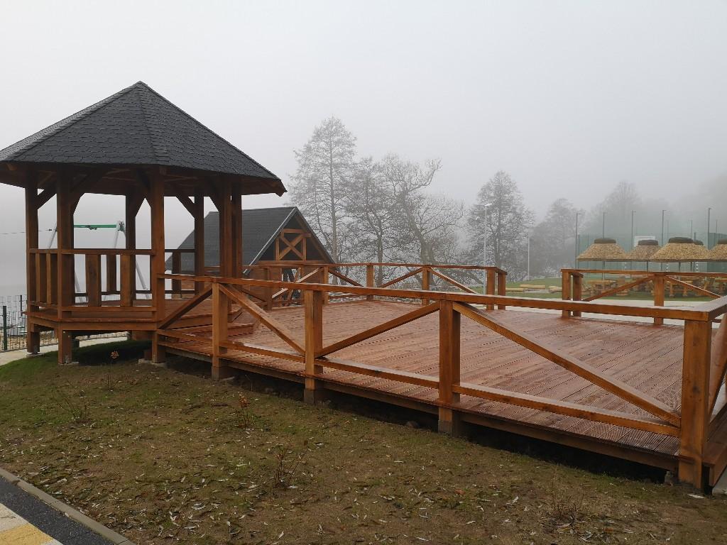 Nowy teren rekreacyjny w Unichowie nad jeziorem w gminie Czarna Dąbrówka za 1 mln zł
