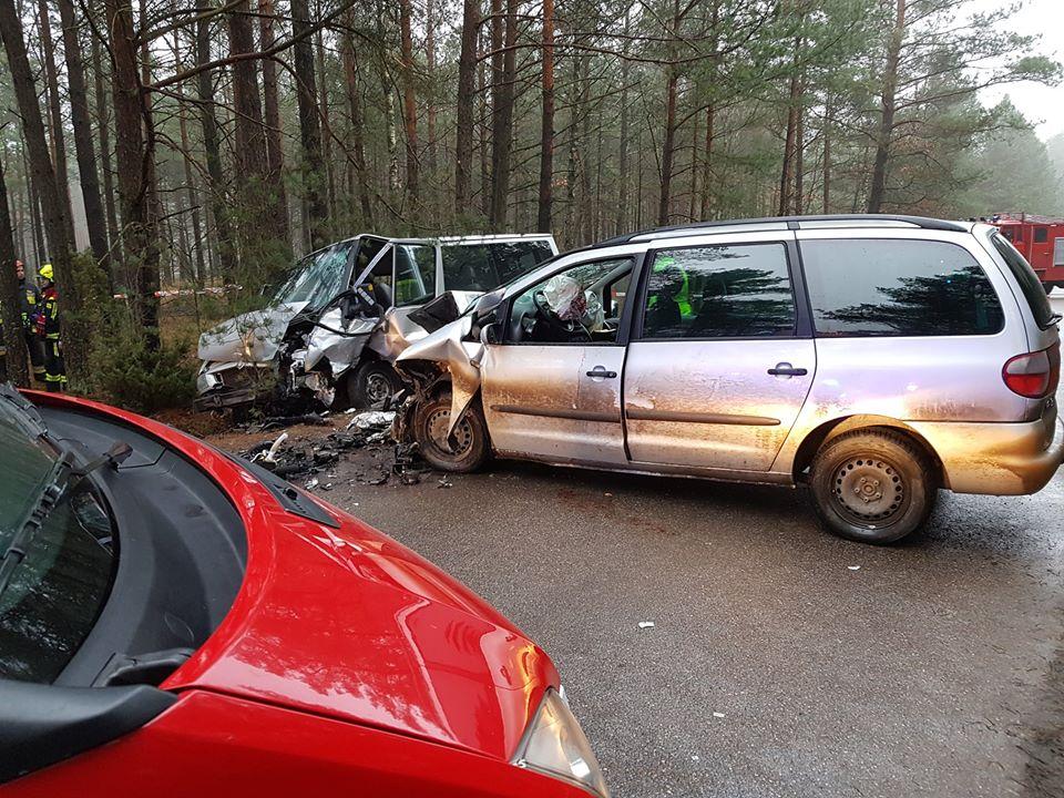Sześć osób zostało rannych w porannym wypadku w powiecie kościerskim