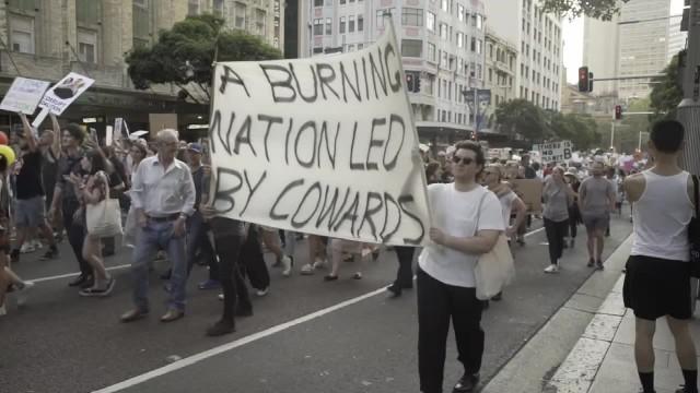 Masowe protesty w Australii. Demonstrujący domagają się dymisji premiera po ogromnych pożarach