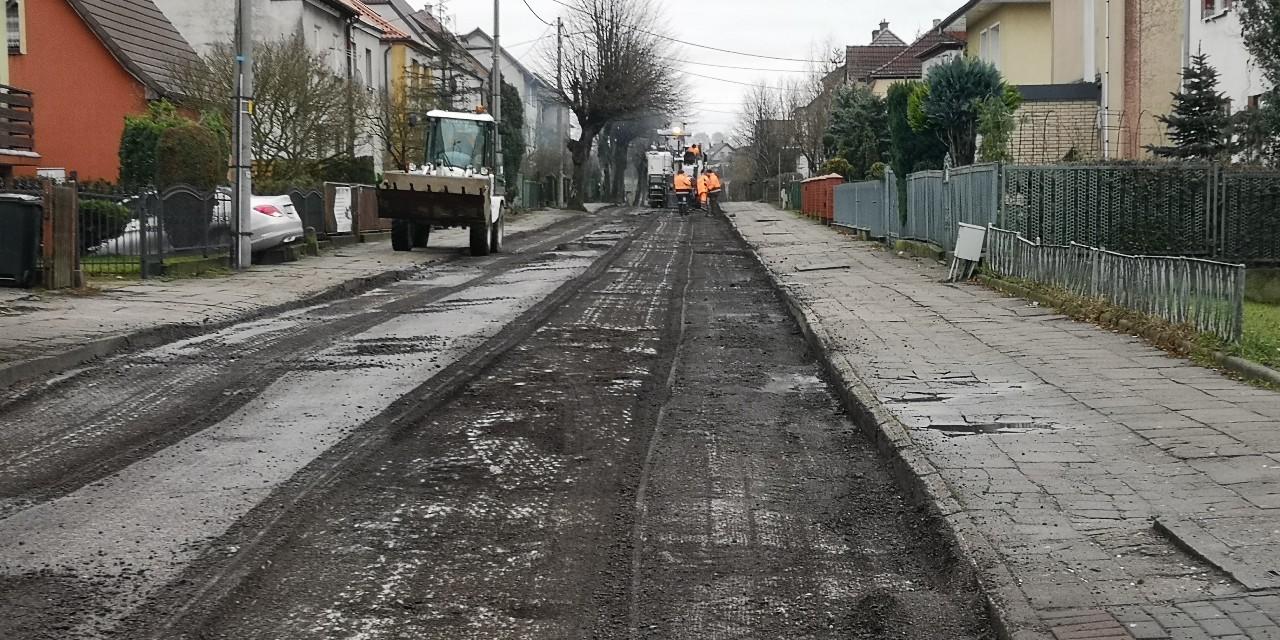 Rozpoczęły się prace przy przebudowie ulicy Cichej w Bytowie