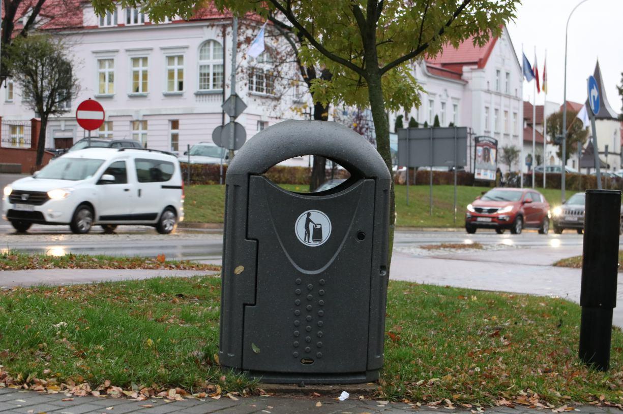 Władze Człuchowa obniżają wysokości kary za niesegregowanie śmieci