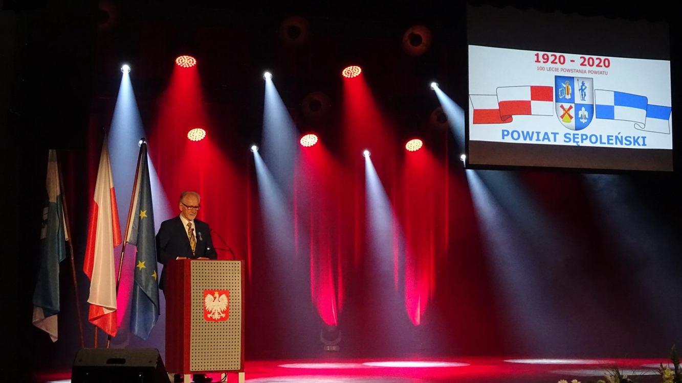 Najnowsza historia powiatu sępoleńskiego na uroczystościach 100-lecia samorządu