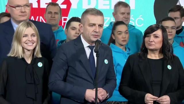 Kampania wyborcza nabiera tempa. Kandydaci opozycji zaprezentowali swoje hasła, S. Hołownia rusza w Polskę