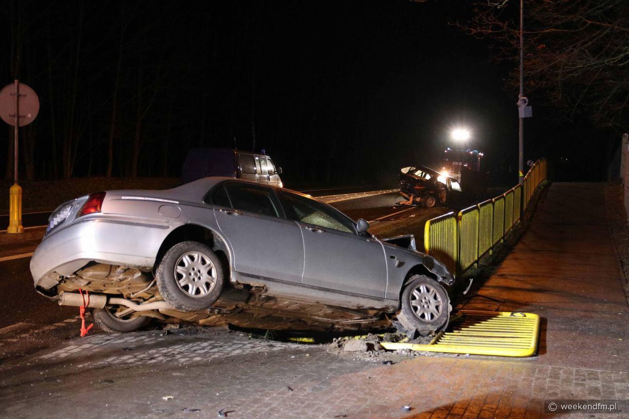 Wypadek na drodze krajowej nr 22 w Sieroczynie, koło Człuchowa. Cztery osoby poszkodowane