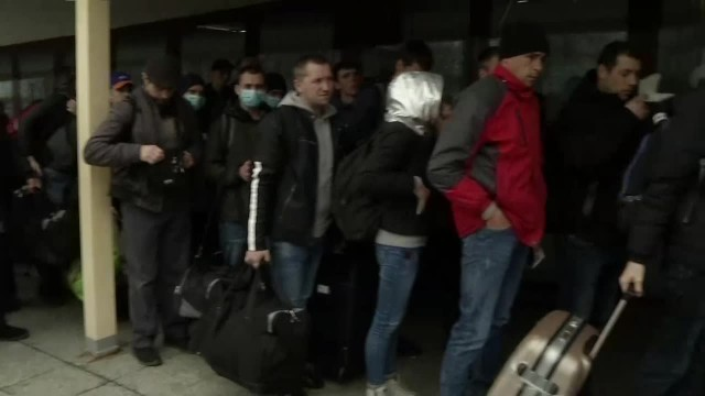 Pracownicy i studenci z Ukrainy wyjeżdżają z Polski w obawie przed epidemią i wobec braku pracy i zajęć