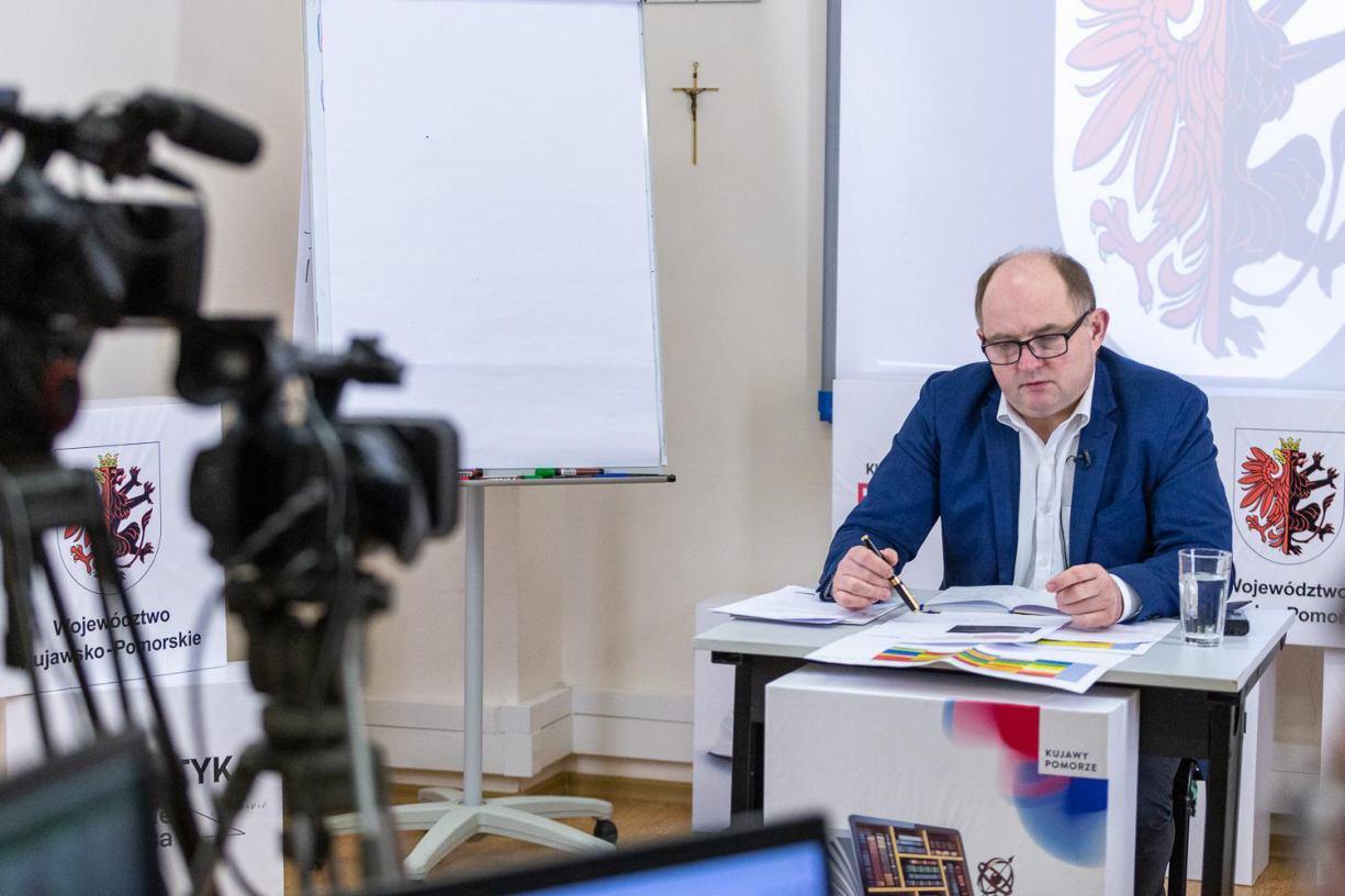 320 milionów złotych na walkę z koronawirusem znalazł w budżecie zarząd województwa kujawsko-pomorskiego