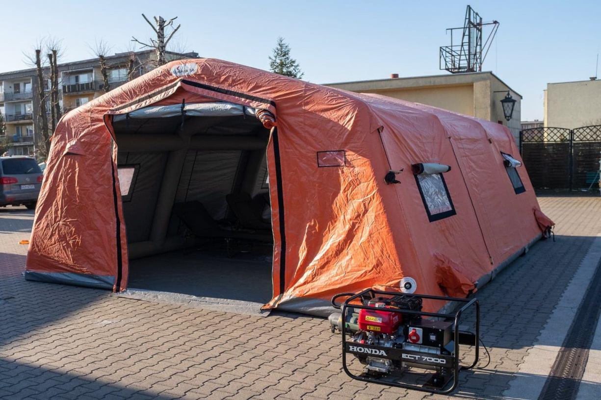 Chojnicki szpital dysponuje już namiotem pneumatycznym zakupionym w związku z epidemią koronawirusa