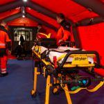 Kościerzyna:  | Przed wejściem do szpitala w Kościerzynie stanęły dwa namioty