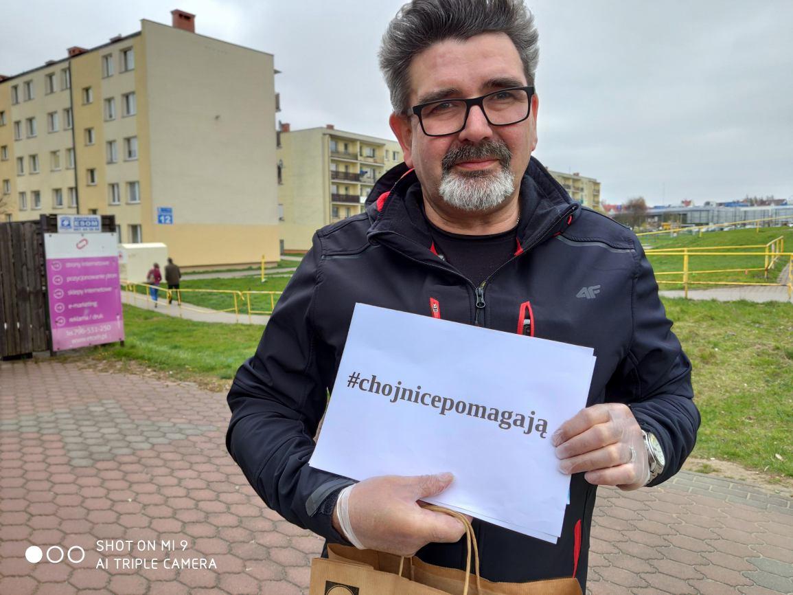 Krawcowe z Chojnic uszyły pierwszą partię maseczek dla tutejszego szpitala. Maseczki trafiają też do seniorów